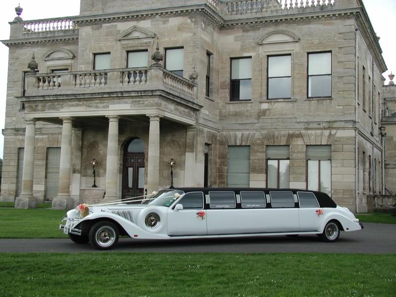 Decorar el coche de bodas