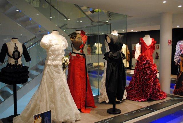 Vestidos de papel Museo de Mollerusa