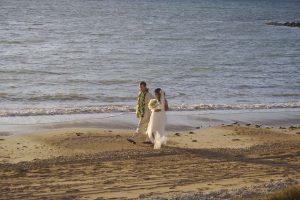 Boda en la playa Málaga F04. Ceremonia civil en la playa. Bodas frente al mar. Civil ceremonies Marbella. Weddings on the beach Spain. Bodas Marbella, Fuengirola, Mijas
