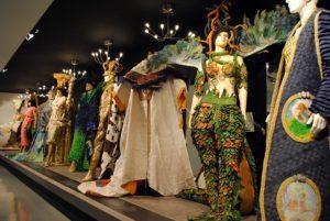 Museo de vestidos de papel F02