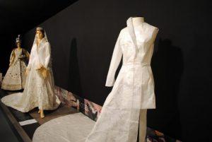 Museo de vestidos de papel F05