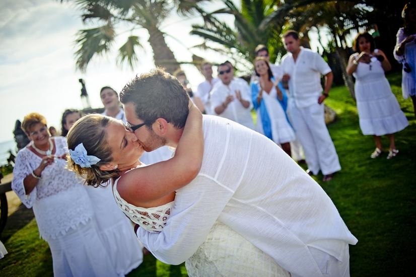 La Boda de Marta y Emilio en la playa 9. Bodas Málaga Marbella Fuengirola Mijas Nerja Velez Torremolinos Benalmadena Estepona Weddings Spain Mariages Espagne