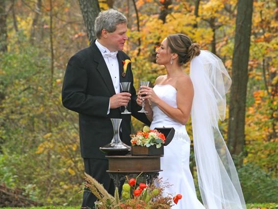 Como-coger-Copa-de-vino-en-bodas